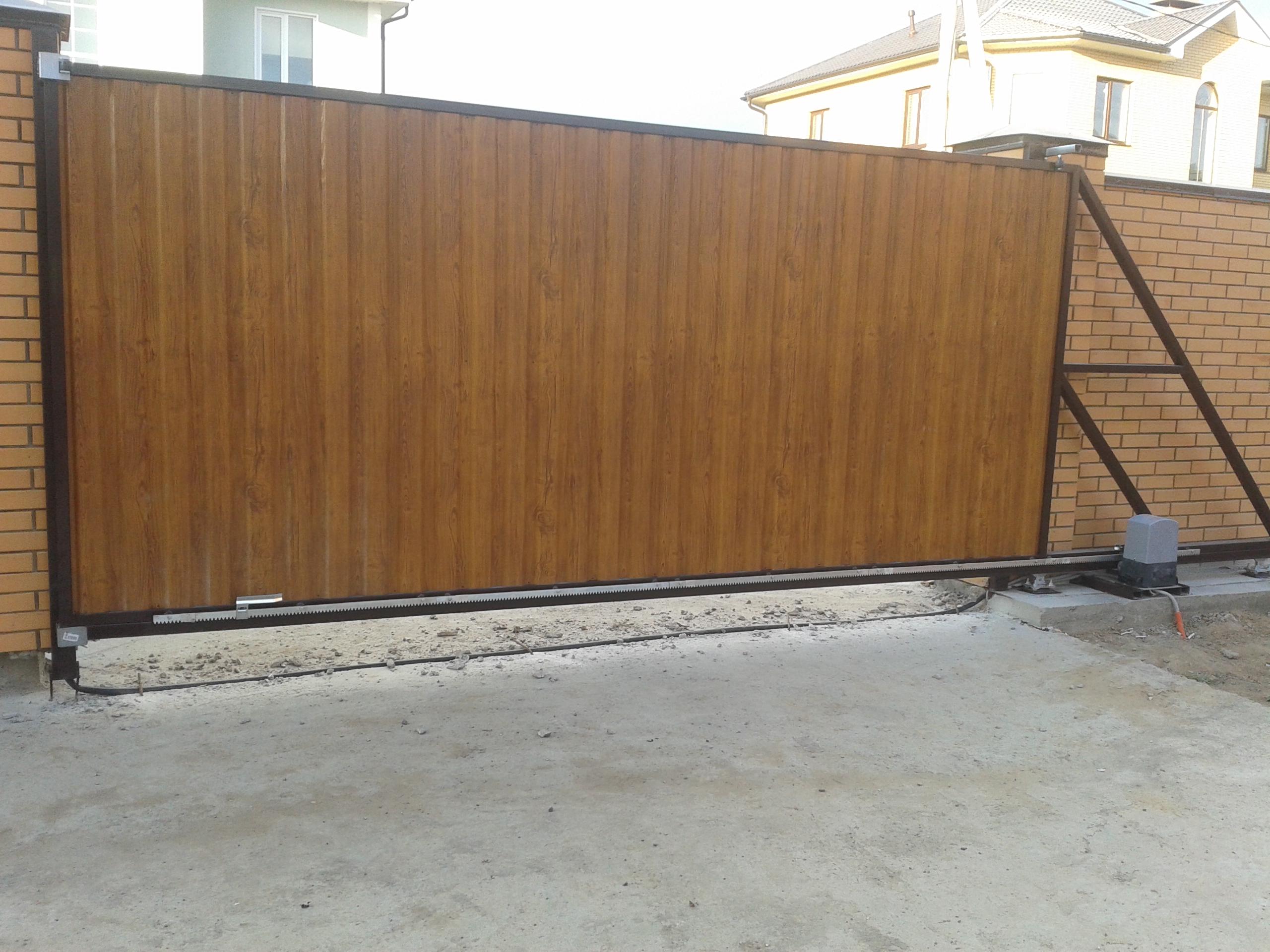 картинки откатных ворот с калиткой цокольный